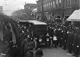 MacLennan's funeral procession drew a huge crowd of mourners