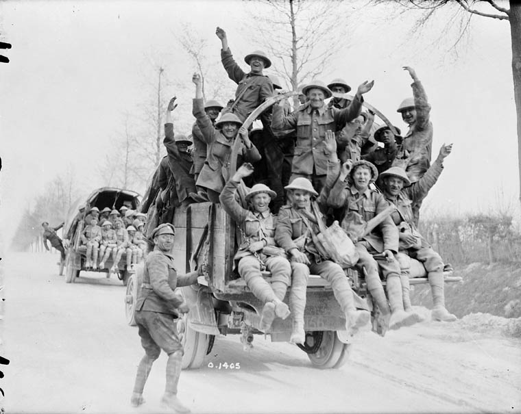 Cdn. soldiers returning from Vimy Ridge