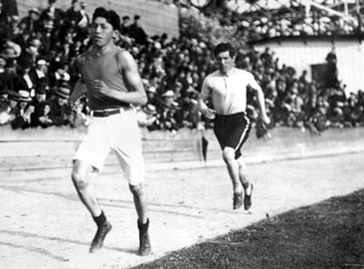 Tom Longboat, runner
