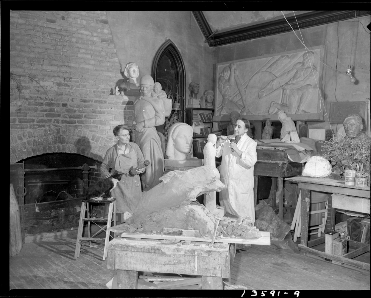 Frances Loring and sculptor Florence Wyle