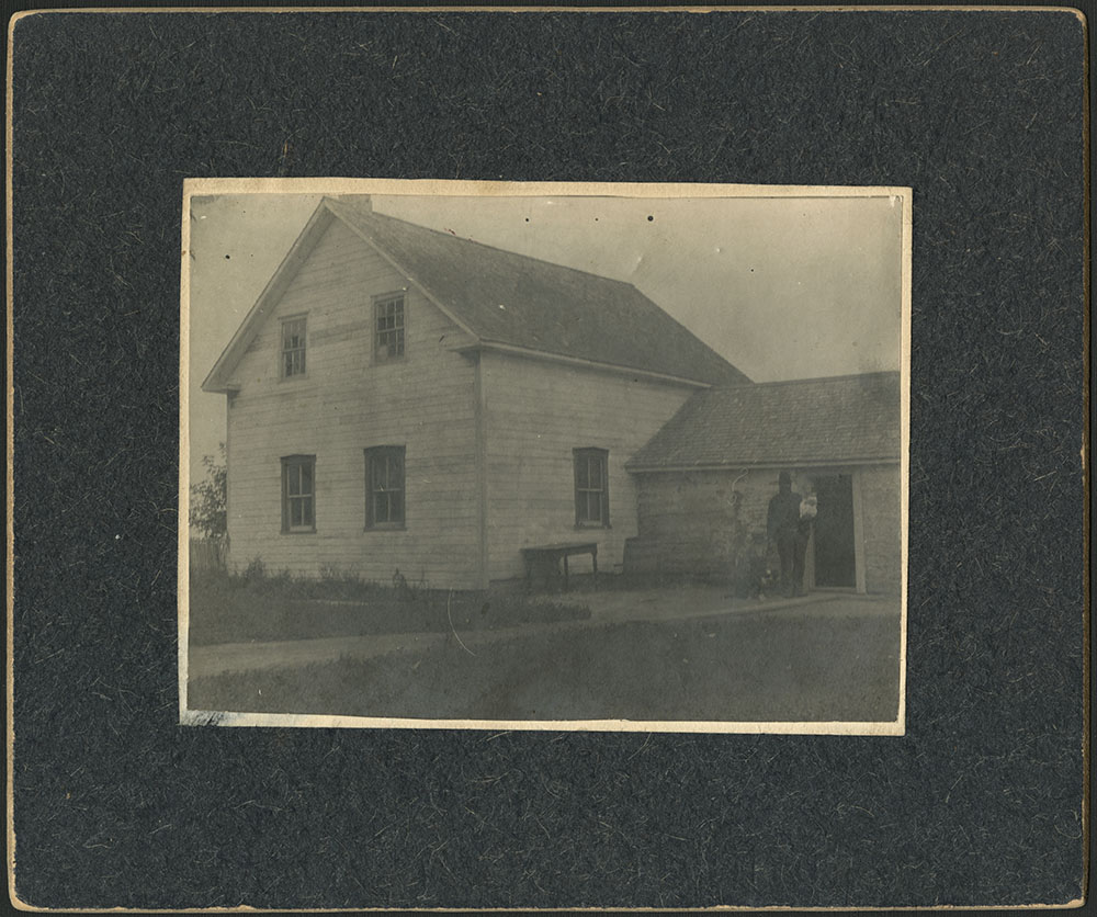 Riel Family Home (Riel House)
