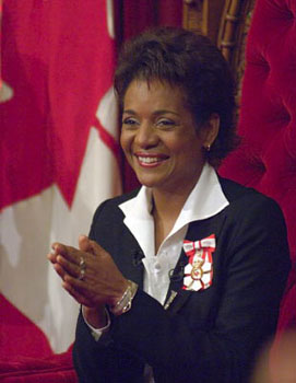 provinces governor general of canada and The queen is the formal head of the canadian state she is represented federally by the governor general, and provincially by the lieutenant-governors.