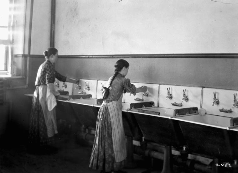 Laundry room at the Hospital and Immigration Detention Centre, Québec, circa 1911