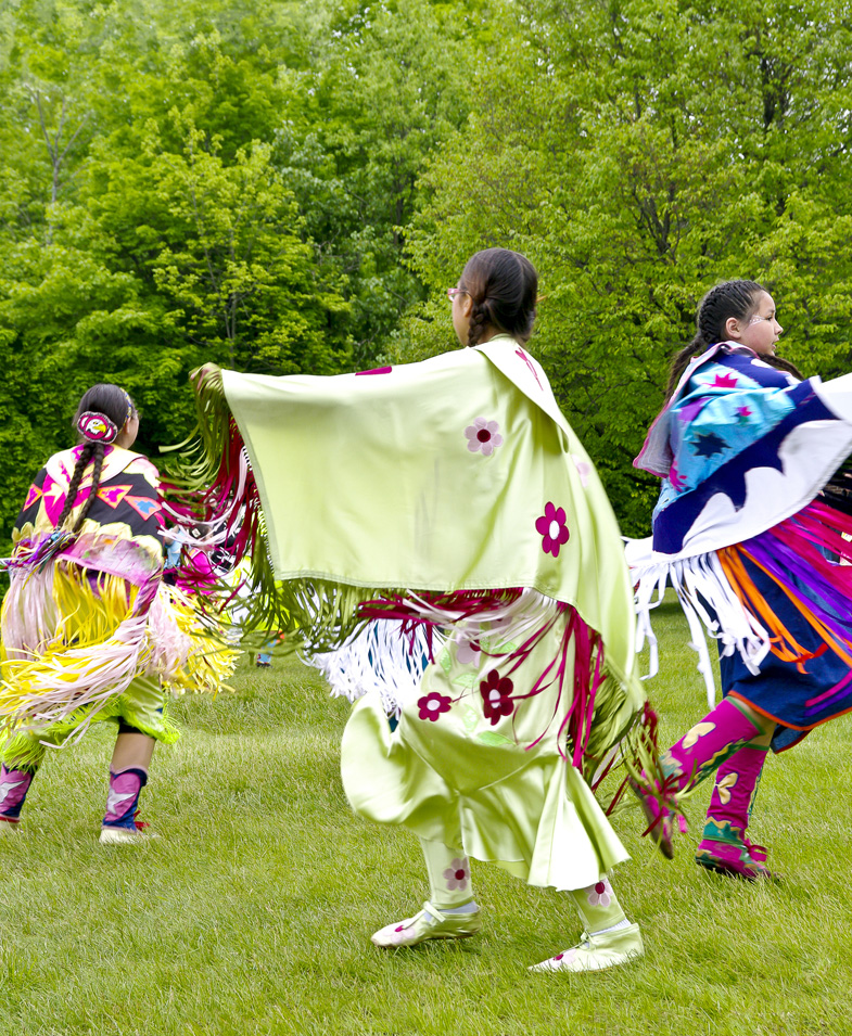 Aboriginal Women Dancers