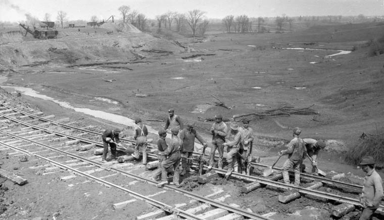 Italian labourers constructing the Welland Canal in Ontario