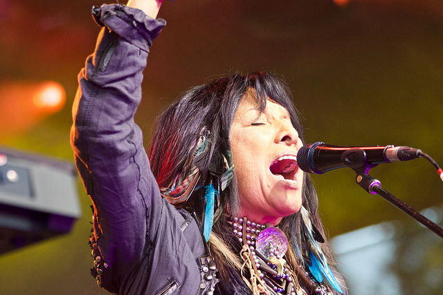 Top 20 Law Schools >> Buffy Sainte-Marie - The Canadian Encyclopedia