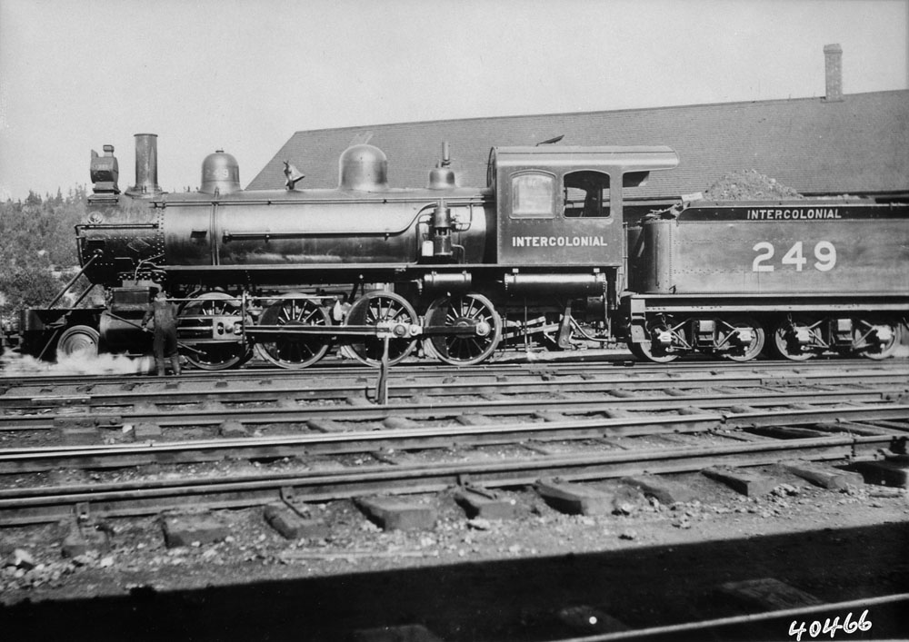 Locomotive No. 249 de l