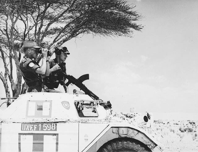Canadian members of the United Nations Emergency Force (UNEF) on the border between Egypt and Israel, 1962.
