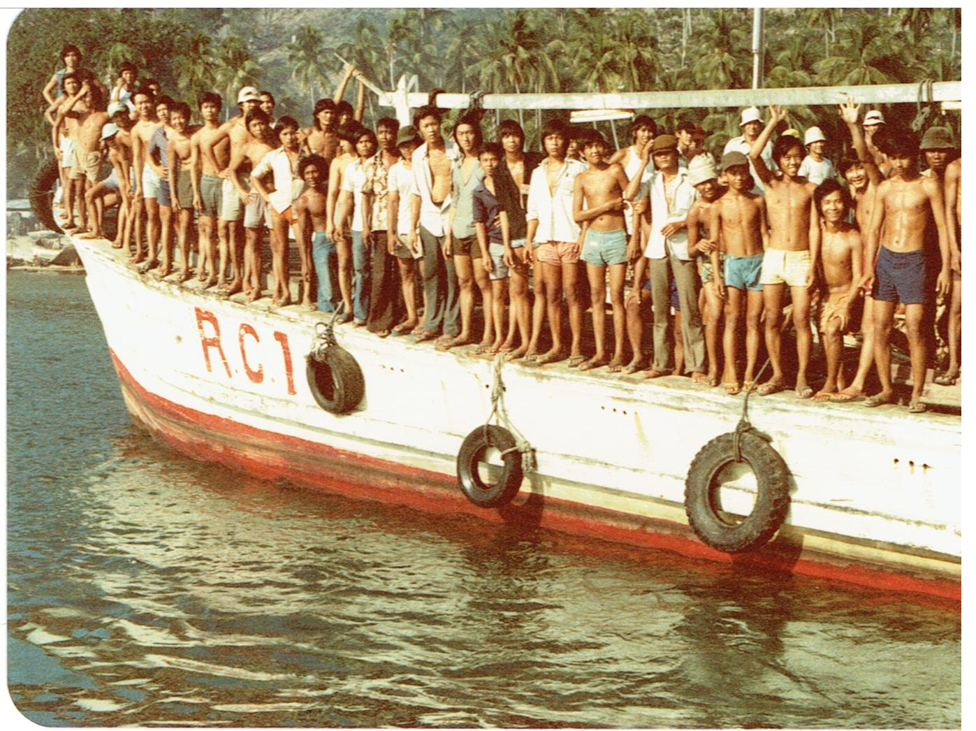Pulau Bidong, MRCS boat with camp residents (refugees), 1979
