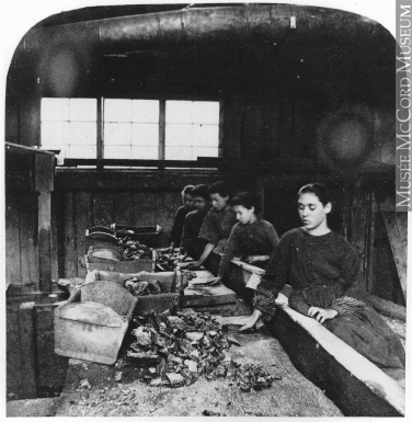 Sorting ore at Huntington Copper Mining Company in Bolton, QC, 1867.