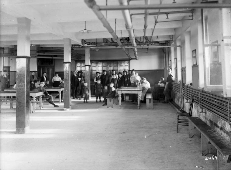 Dining hall at the Immigration Centre, Québec, circa 1911