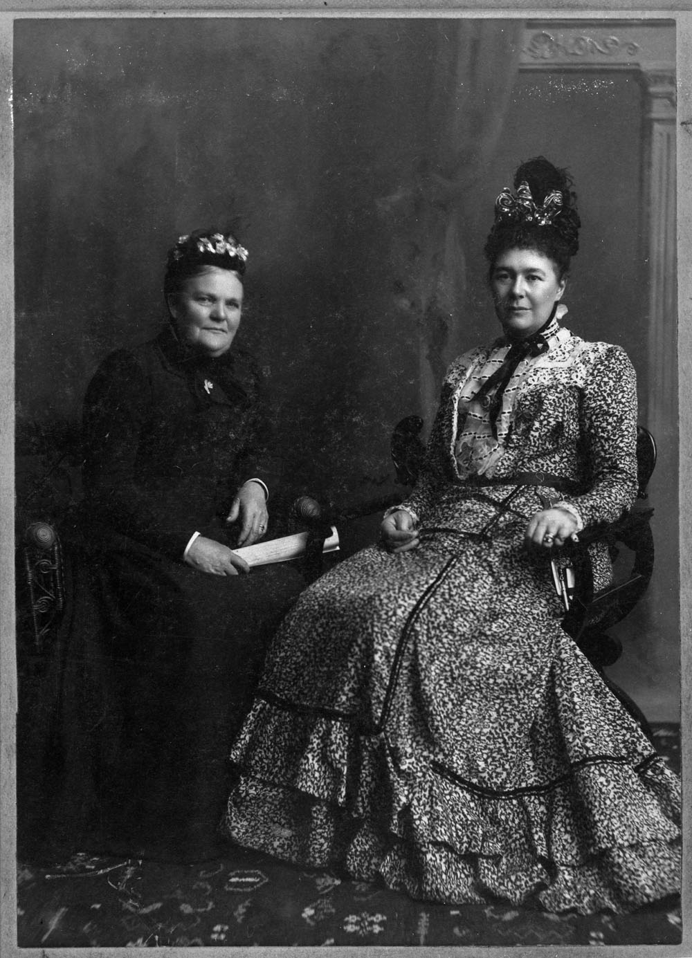 Lady Aberdeen and Lady Taylor