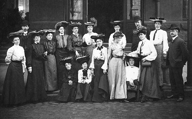Founding members of the Canadian Women's Press Club (1904)