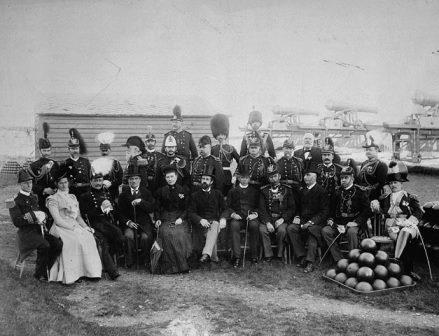 Earl of Aberdeen, Sir Wilfrid Laurier and others at the Citadel