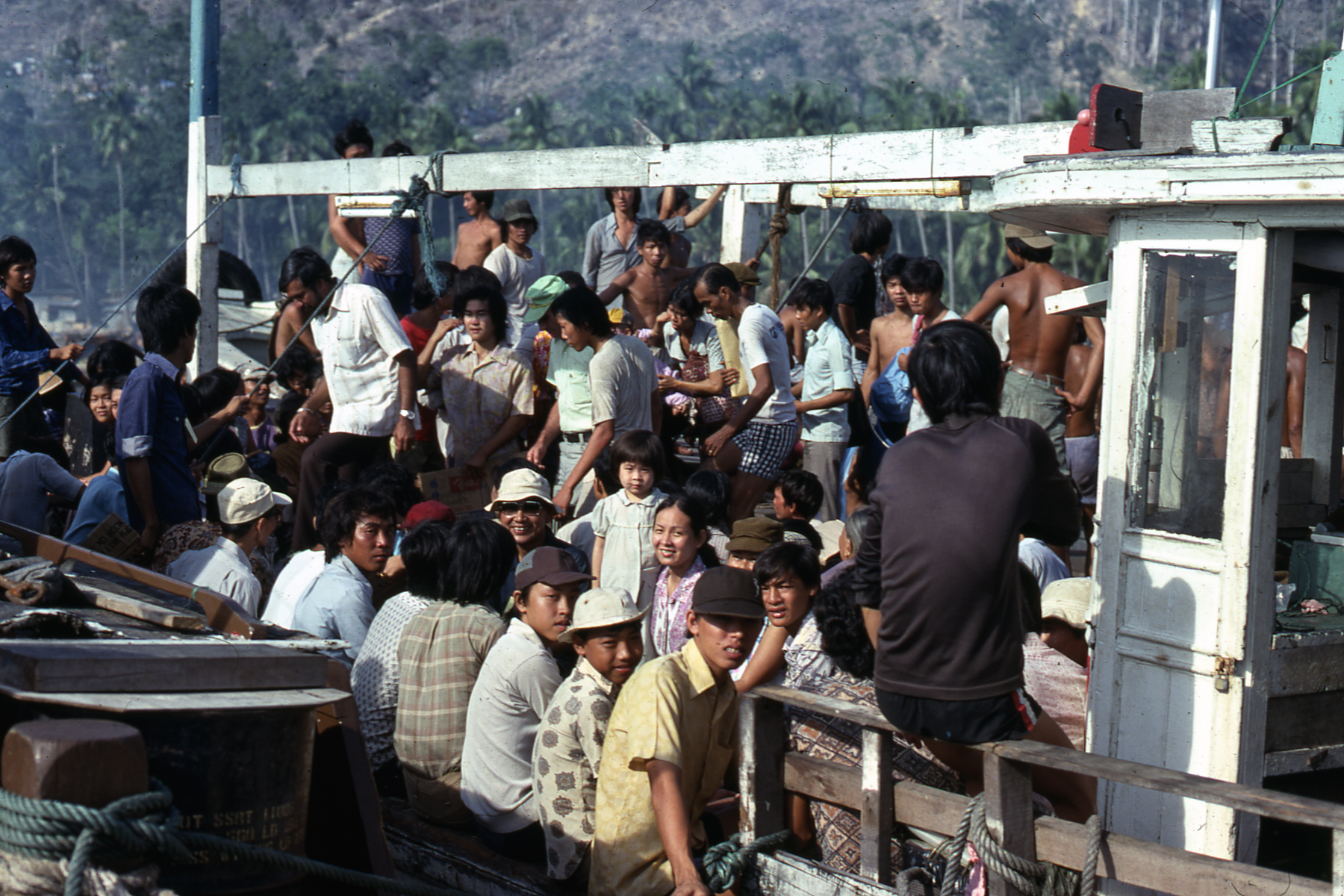 Vietnamese refugees leaving Pulau Bidong camp, 1979