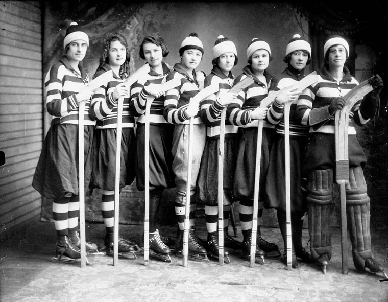 Hockey Team in Gore Bay, Manitoulin Island, 1921.