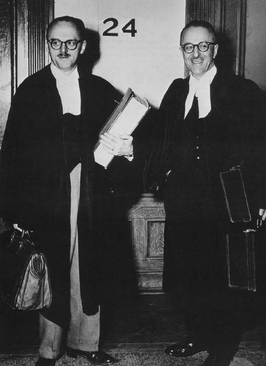 Jean Drapeau and Pacifique Plante in 1954