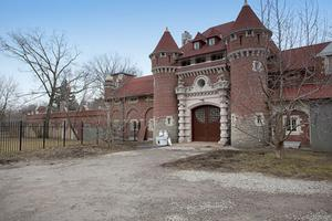 Casa Loma Stables, Exterior, 2012