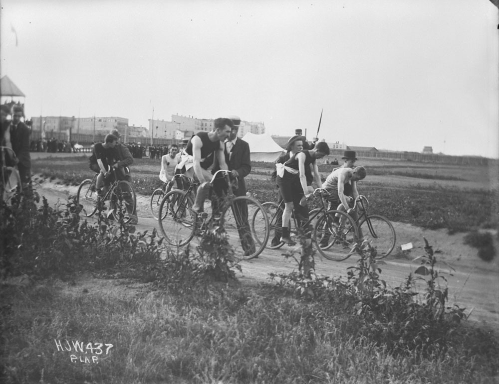 Early Bicycle Race