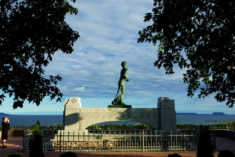 monument-terry-fox-pres-de-thunder-bay