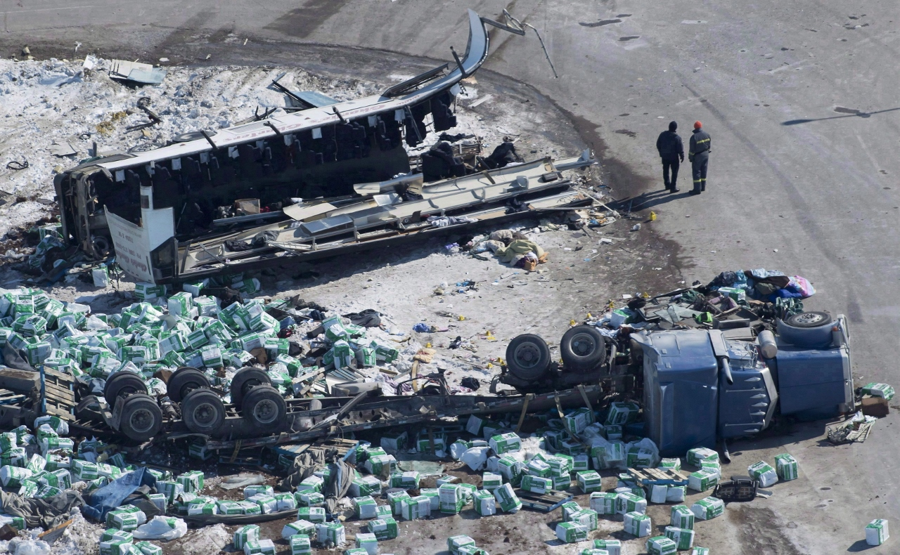 Photo of the wreckage of a fatal bus crash carrying members of the Humboldt Broncos hockey team