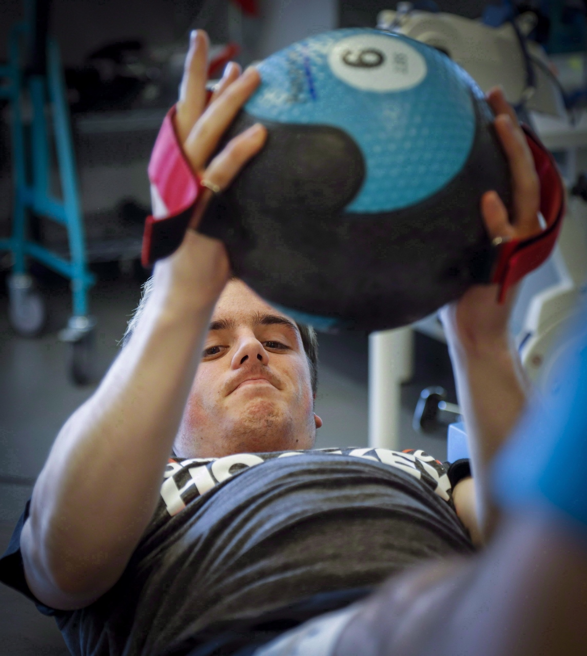 Photo of bus crash survivor Ryan Straschnitzki at a physiotherapy session